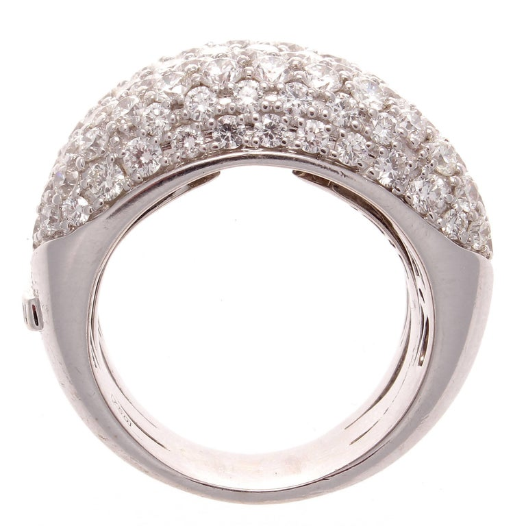 Modern Roberto Coin Diamond Gold Tail Ring For