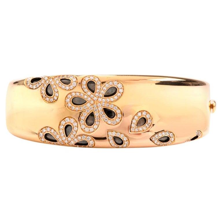 Roberto Coin Fantasia Diamond Daisy 18 Karat Wide Bangle Bracelet For Sale