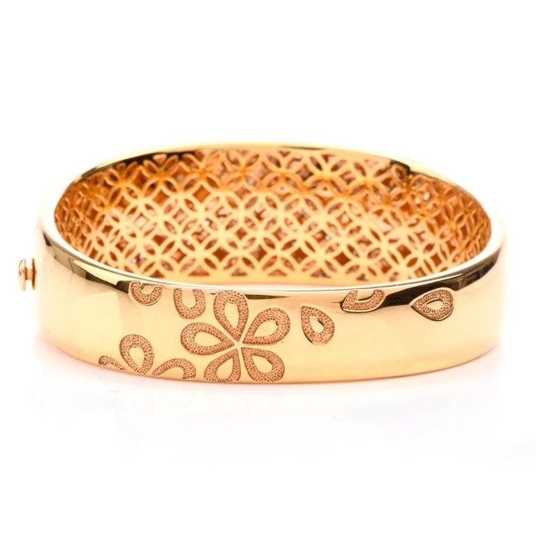 Modern Roberto Coin Fantasia Diamond Daisy 18 Karat Wide Bangle Bracelet For Sale