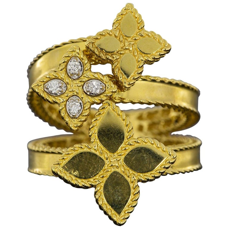 Roberto Coin Gold 0.03 Carat Princess Flower Bypass 3 Flower Ring For Sale