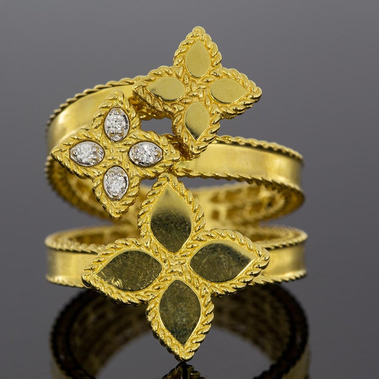 Roberto Coin Gold 0.03 Carat Princess Flower Bypass 3 Flower Ring In New Condition For Sale In Columbia, MO