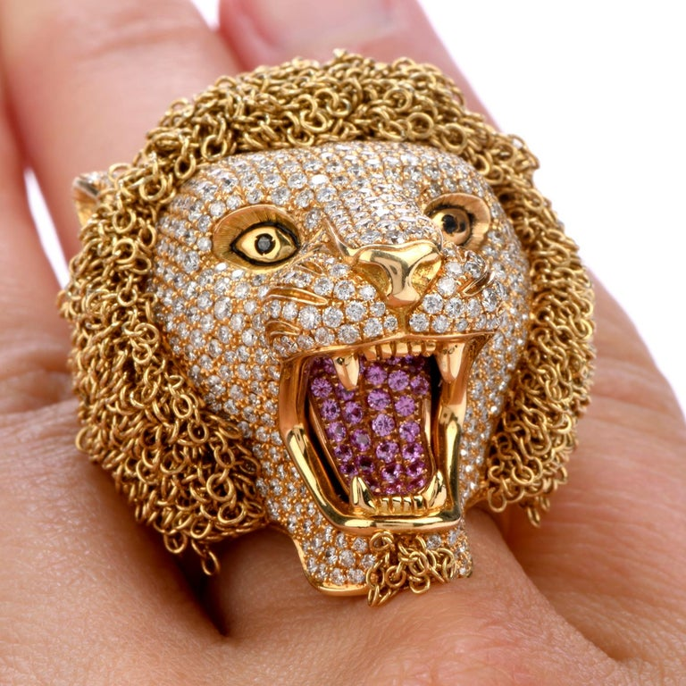Roberto Coin Lion Masterpiece Diamond 18 Karat Gold Limited Edition Ring For Sale 4