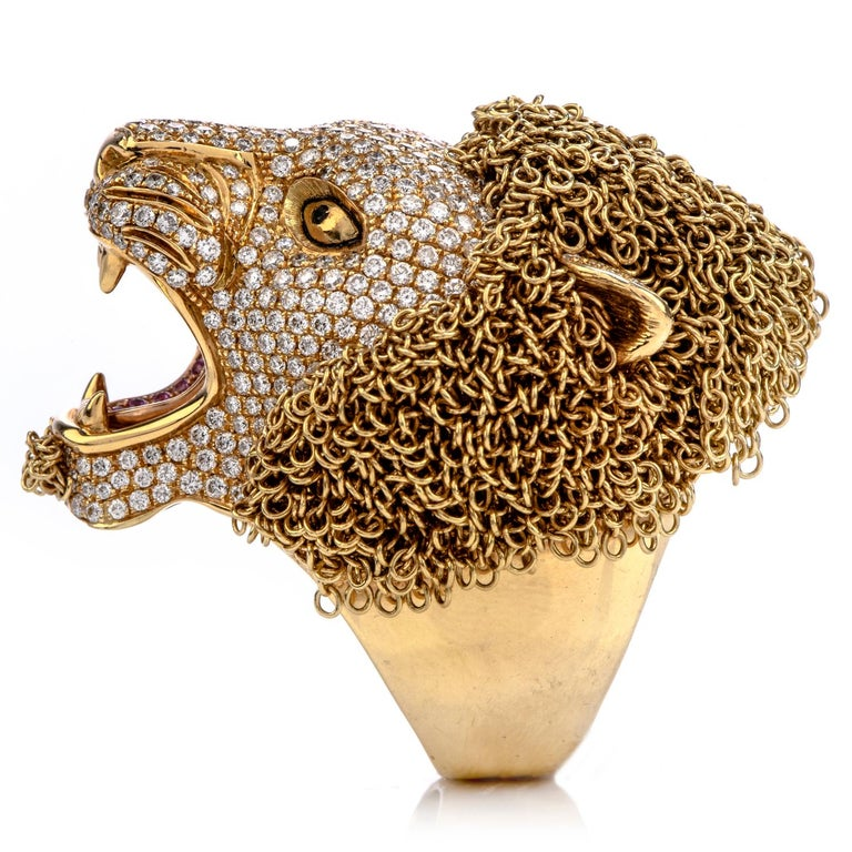 Enjoy This Masterpiece from the renown Designer Roberto Coin!  This is a Limited Edition Lion's Head Cocktail Ring, with an exquisite  made of gold links.   Hand crafted from Italy in Solid 18K Yellow Gold,  Symbolizing majesty, courage, strength