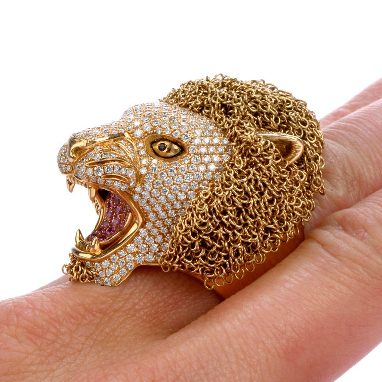 Roberto Coin Lion Masterpiece Diamond 18 Karat Gold Limited Edition Ring For Sale 2