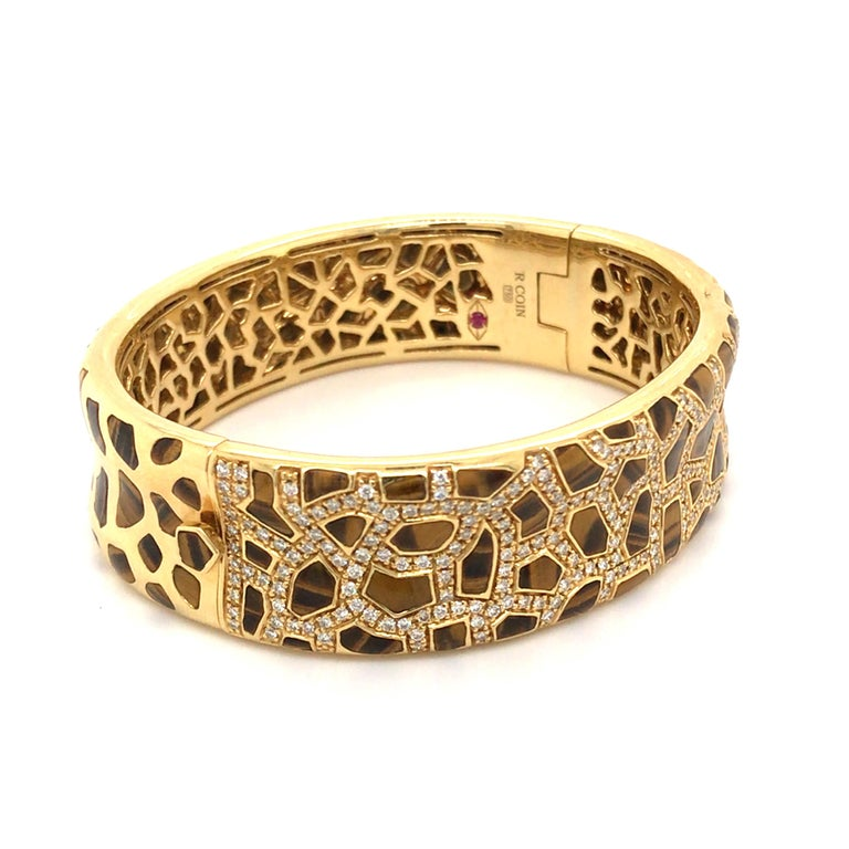 Modern Roberto Coin Tigers Eye and Diamond Bracelet from the Animalier Collection For Sale