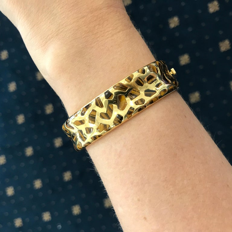 Women's or Men's Roberto Coin Tigers Eye and Diamond Bracelet from the Animalier Collection For Sale