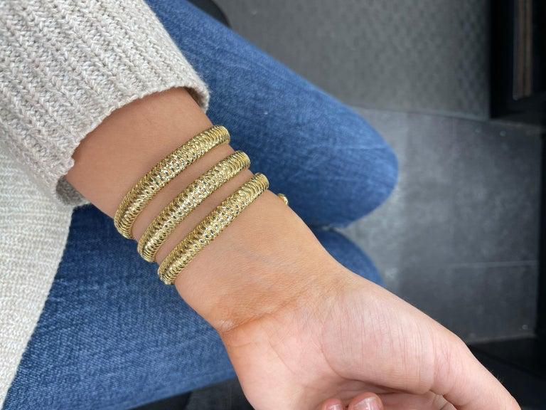 Roberto Coin Tubogas Snake Bracelet 18 Karat Yellow Gold 50.5 Grams For Sale 8
