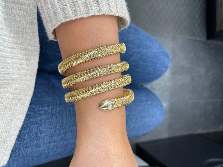Roberto Coin Tubogas Snake Bracelet 18 Karat Yellow Gold 50.5 Grams For Sale 9