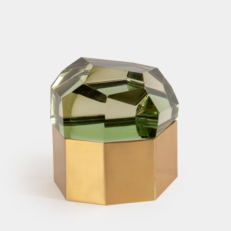 Roberto Giulio Rida exquisite chartreuse 'Diamante Murano' glass box with thick glass ground and polished to create faceted fitted top with gilt brass base covered inside with steel, Italy, 2017.  The glass is made of crystal glass core, then