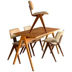 Robin Day Hillestak Dining Table & Chairs by Hille Midcentury Design, circa 1950