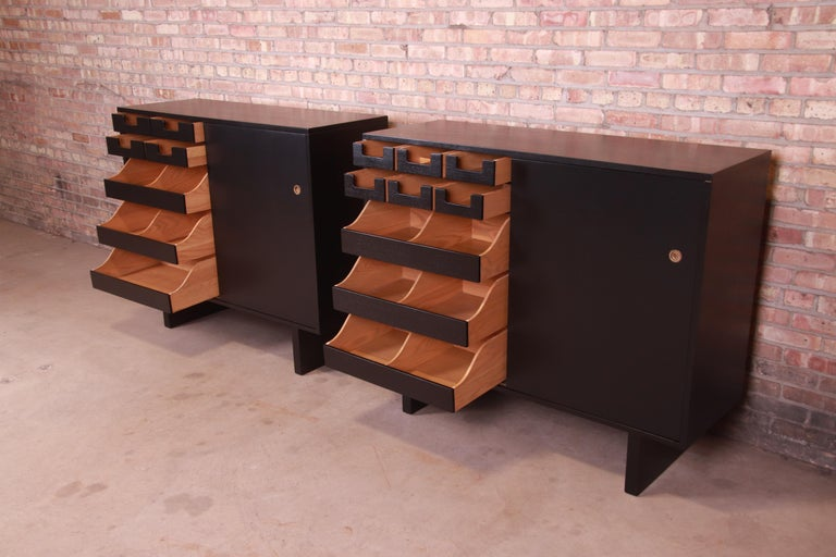 Robsjohn-Gibbings for Widdicomb Black Lacquered Gentleman's Chests, Refinished For Sale 3