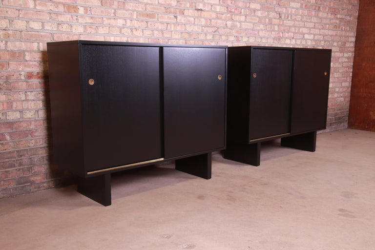 Robsjohn-Gibbings for Widdicomb Black Lacquered Gentleman's Chests, Refinished In Good Condition For Sale In South Bend, IN