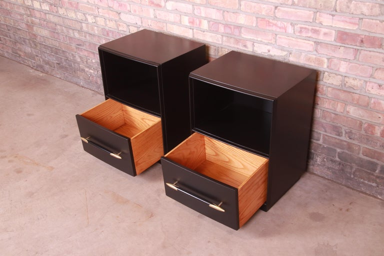 Robsjohn-Gibbings for Widdicomb Black Lacquered Nightstands, Newly Refinished For Sale 4