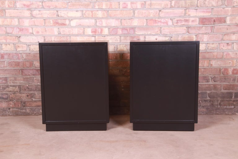 Robsjohn-Gibbings for Widdicomb Black Lacquered Nightstands, Newly Refinished For Sale 9