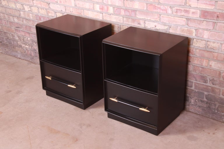 American Robsjohn-Gibbings for Widdicomb Black Lacquered Nightstands, Newly Refinished For Sale