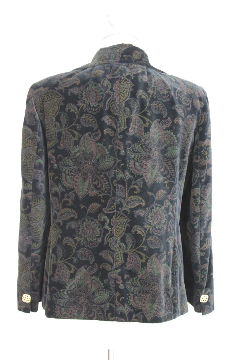 Roccobarocco Forme vintage women's jacket 80s. Short blazer, floral damask velvet fabric. Black and green color. Gold colored jewel buttons. 98% cotton 2% acetate. Internally lined. Made in Italy. Excellent vintage conditions.  Size: 48 It 14 Us 16