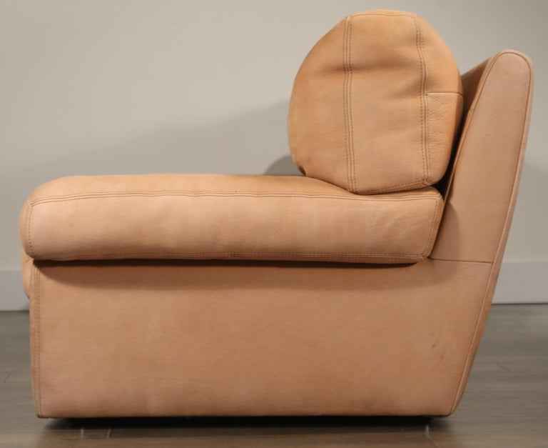 Roche Bobois Sofa and Armchair in Nude Leather with Natural Finish, circa 1980s For Sale 6