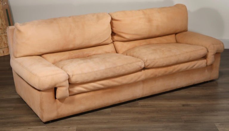 Roche Bobois Sofa and Armchair in Nude Leather with Natural Finish, circa 1980s For Sale 7