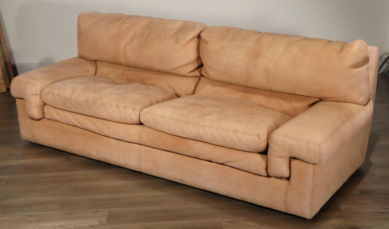 Roche Bobois Sofa and Armchair in Nude Leather with Natural Finish, circa 1980s For Sale 8