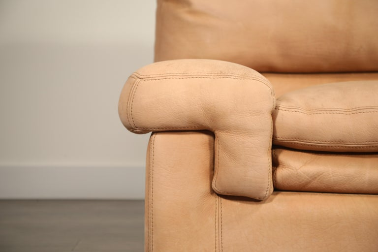 Late 20th Century Roche Bobois Sofa and Armchair in Nude Leather with Natural Finish, circa 1980s For Sale