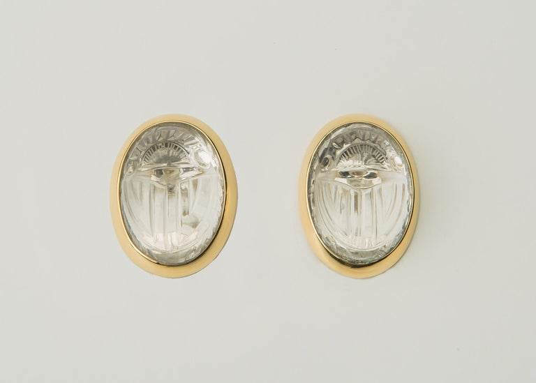 Rock Crystal Scarab and Gold Earrings In Excellent Condition For Sale In Atlanta, GA