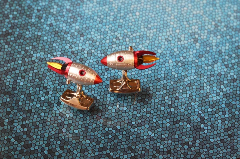 Deakin & Francis Red and Yellow Enamel Rocket Cufflinks In New Condition For Sale In Birmingham, West Midlands