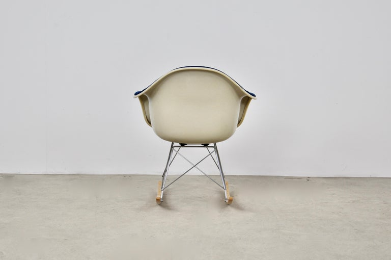Mid-Century Modern Rocking Chair by Charles & Ray Eames For Herman Miller, 1960s For Sale