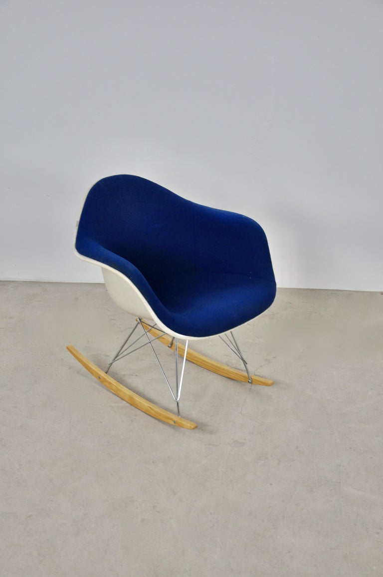 Central American Rocking Chair by Charles & Ray Eames For Herman Miller, 1960s For Sale