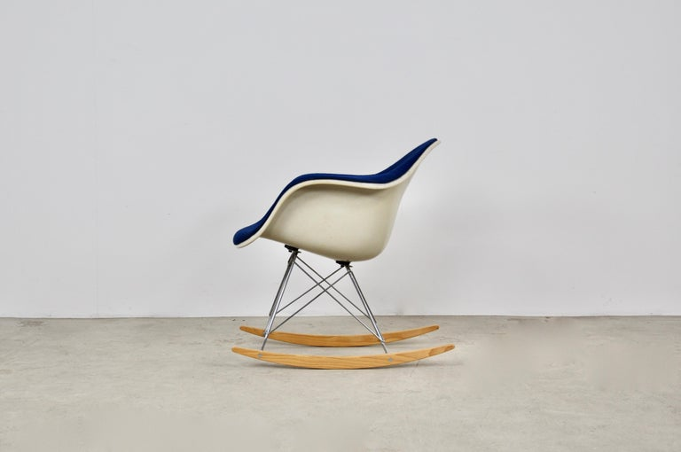 Metal Rocking Chair by Charles & Ray Eames For Herman Miller, 1960s For Sale