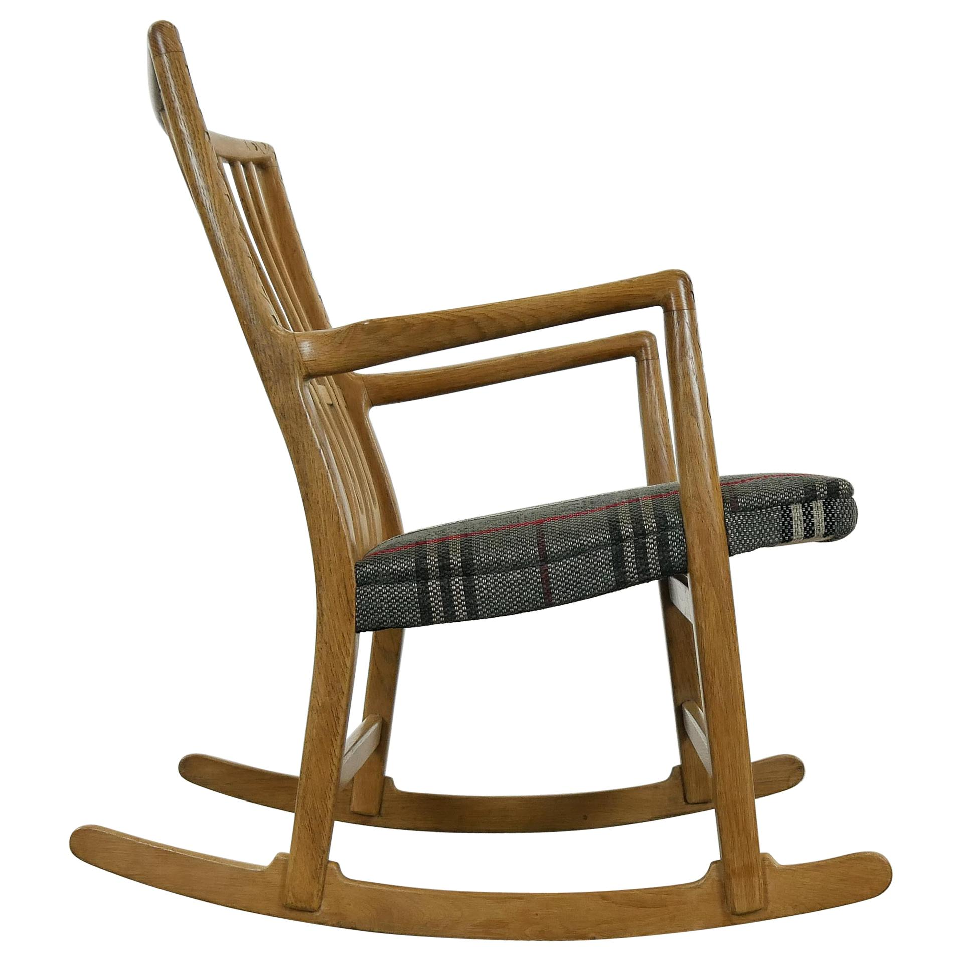 Rocking Chair ML-33 by Hans J. Wegner with Floral Carvings for Mikael Laursen
