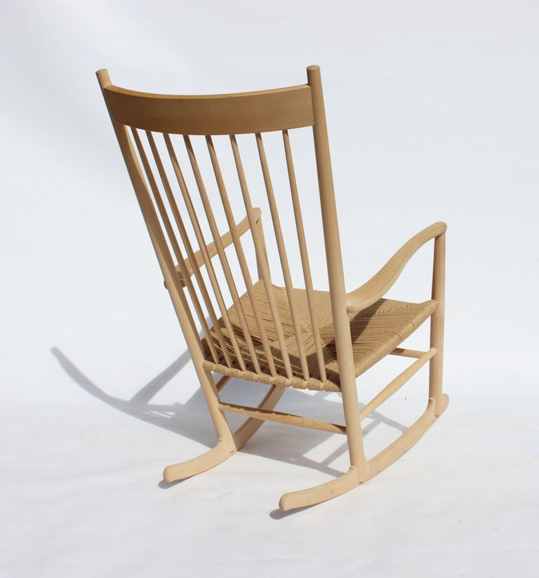 Rocking Chair, Model J16, of Beech, by Hans J. Wegner and Fredericia For Sale 1
