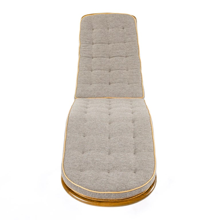 Rocking Chaise Lounge by Edward Wormley In Good Condition For Sale In New York, NY
