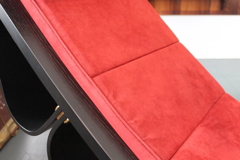 Late 20th Century Rocking Lounge Chair model 'Rio' by Oscar Niemeyer For Sale