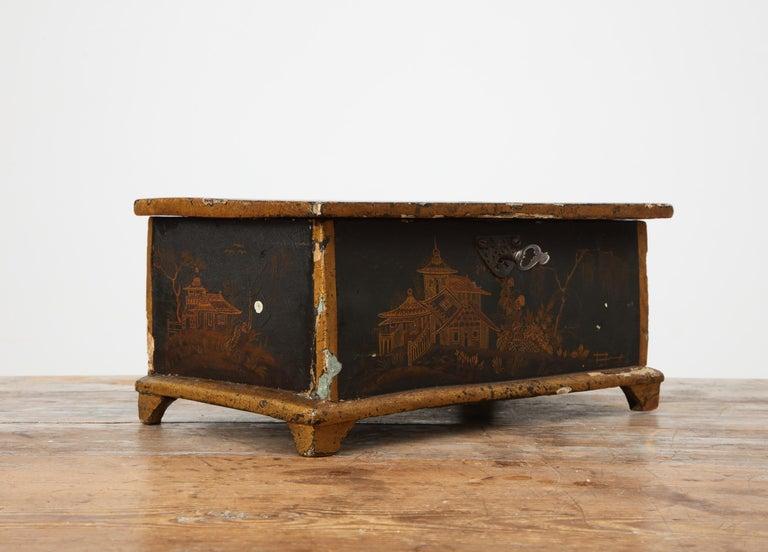 Rococo Chinoiserie Box, circa 1750 For Sale 5