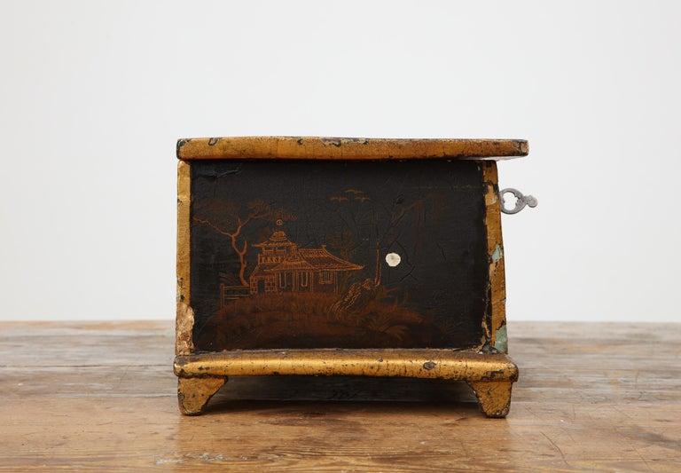 Rococo Chinoiserie Box, circa 1750 For Sale 8