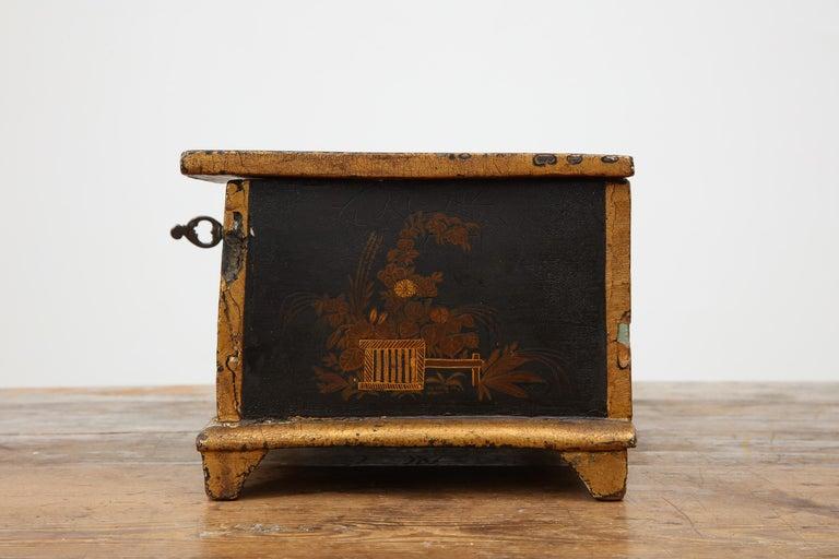 Rococo Chinoiserie Box, circa 1750 For Sale 9