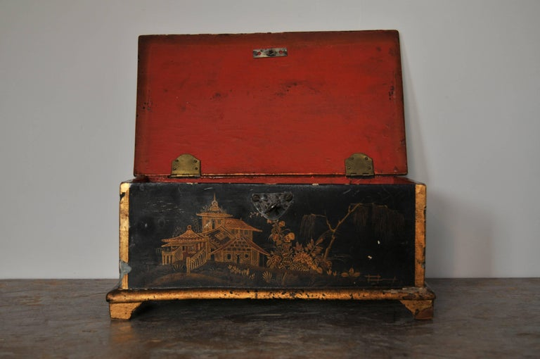 Rococo Chinoiserie Box, circa 1750 In Excellent Condition For Sale In New York, NY
