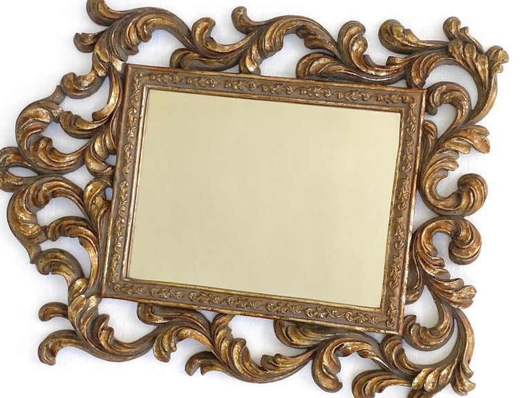Rococo Small Ornamental Mirror with Carved Giltwood Frame, Italy, circa 1940s For Sale 3