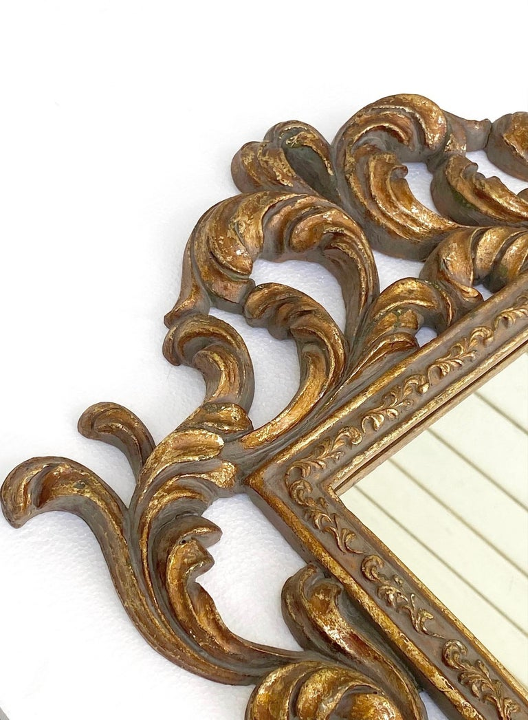 Rococo Small Ornamental Mirror with Carved Giltwood Frame, Italy, circa 1940s For Sale 4