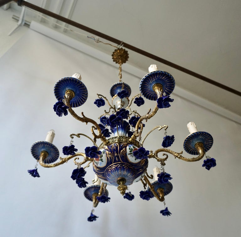 Rococo Style Chandelier, Porcelain Flowers, Rocaille Pattern In Good Condition For Sale In Antwerp, BE
