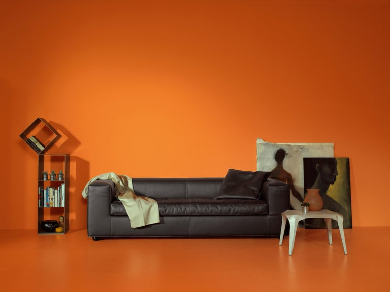 A tribute to flexibility, Cuba 25 sofa by Rodolfo Dordoni is part of a collection of linear elements with removable covers, that includes two and three-seat sofas. Versatile with an essential design, the Cuba 25 sofas are padded with polyurethane