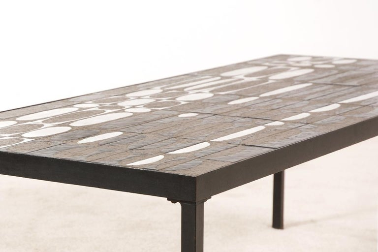 Roger Capron, Large Coffee Table with Ceramic Tiles, circa 1950 In Excellent Condition For Sale In Paris, FR