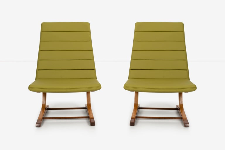 Mid-Century Modern Roger Lee Sprunger for Dunbar Pair of Cantilever Lounge Chairs For Sale