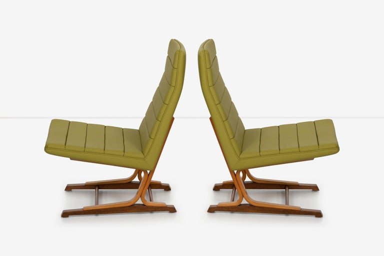 American Roger Lee Sprunger for Dunbar Pair of Cantilever Lounge Chairs For Sale