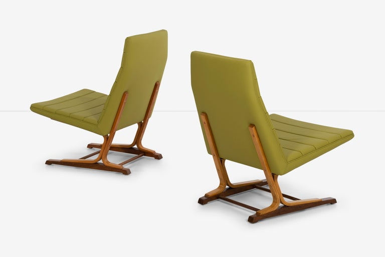 Roger Lee Sprunger for Dunbar Pair of Cantilever Lounge Chairs In Excellent Condition For Sale In Chicago, IL