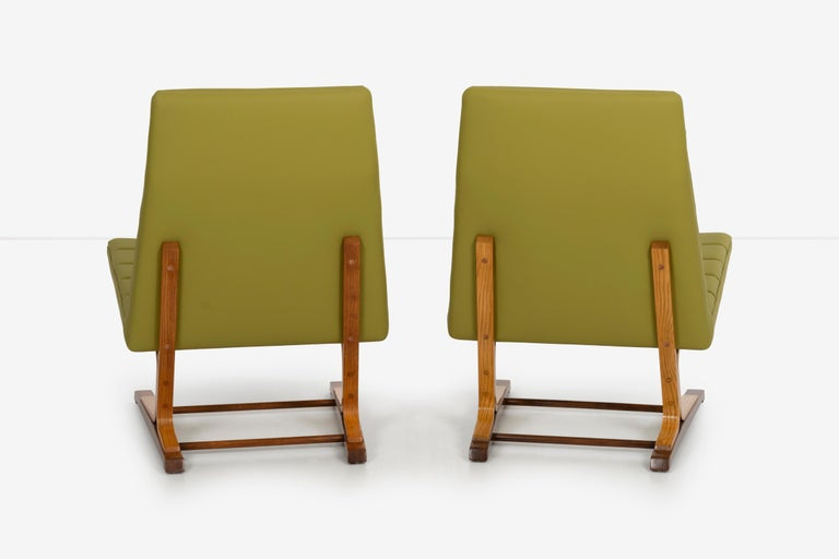 Mid-20th Century Roger Lee Sprunger for Dunbar Pair of Cantilever Lounge Chairs For Sale