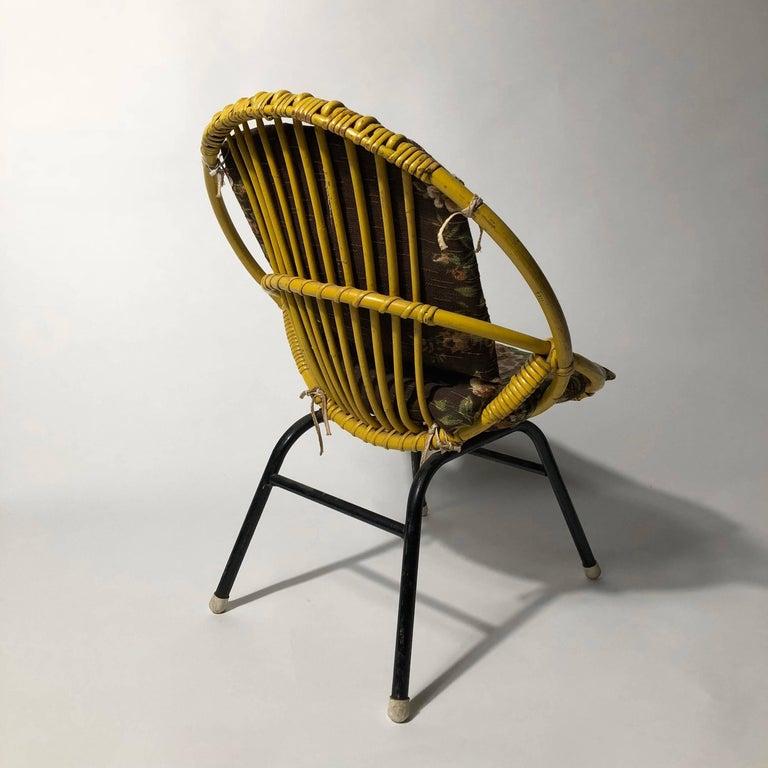 Dutch Rohé Noordwolde Children's Chair 1950s Original Paint and Cushion For Sale