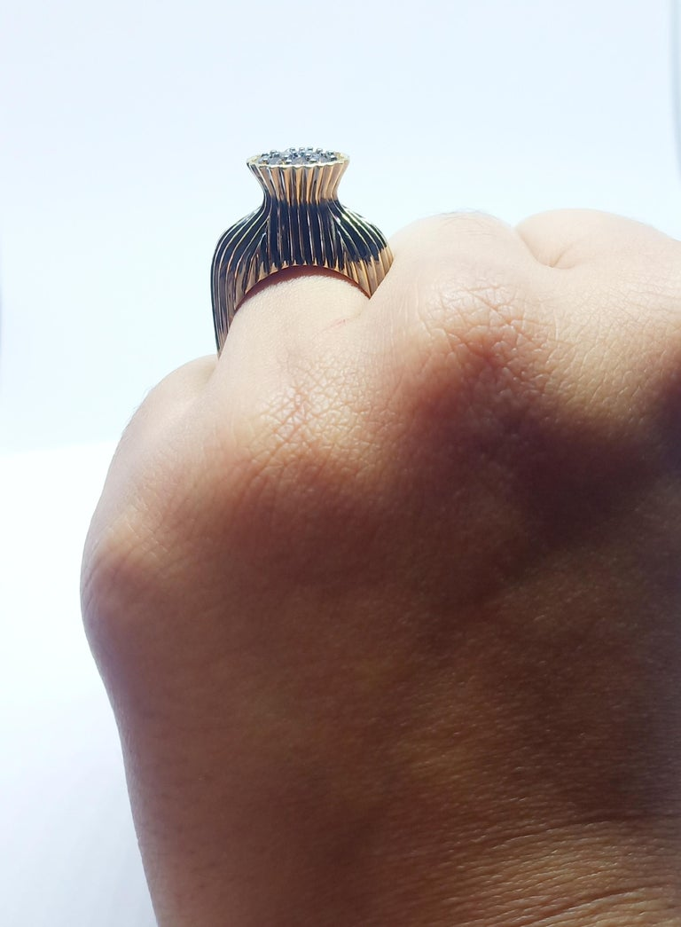 Contemporary One of a Kind Fashion Ring in Yellow Gold with Brown Diamond For Sale 7
