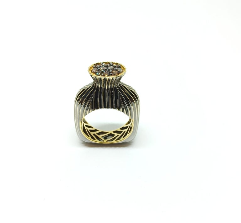 Contemporary One of a Kind Fashion Ring in Yellow Gold with Brown Diamond For Sale 3