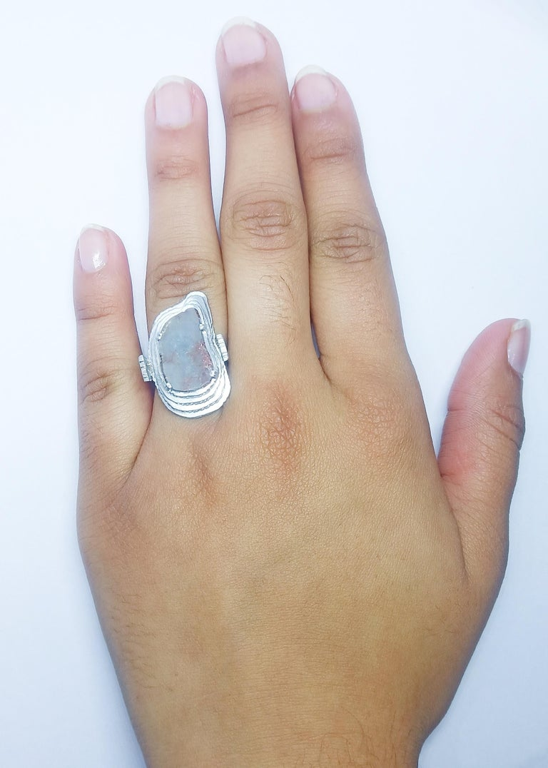 Contemporary Grey Diamond Slice One of a Kind 18 Karat White Gold Fashion Ring For Sale 7